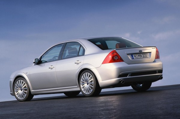 Ford-Mondeo_ST220_2002_1024x768_wallpaper_06