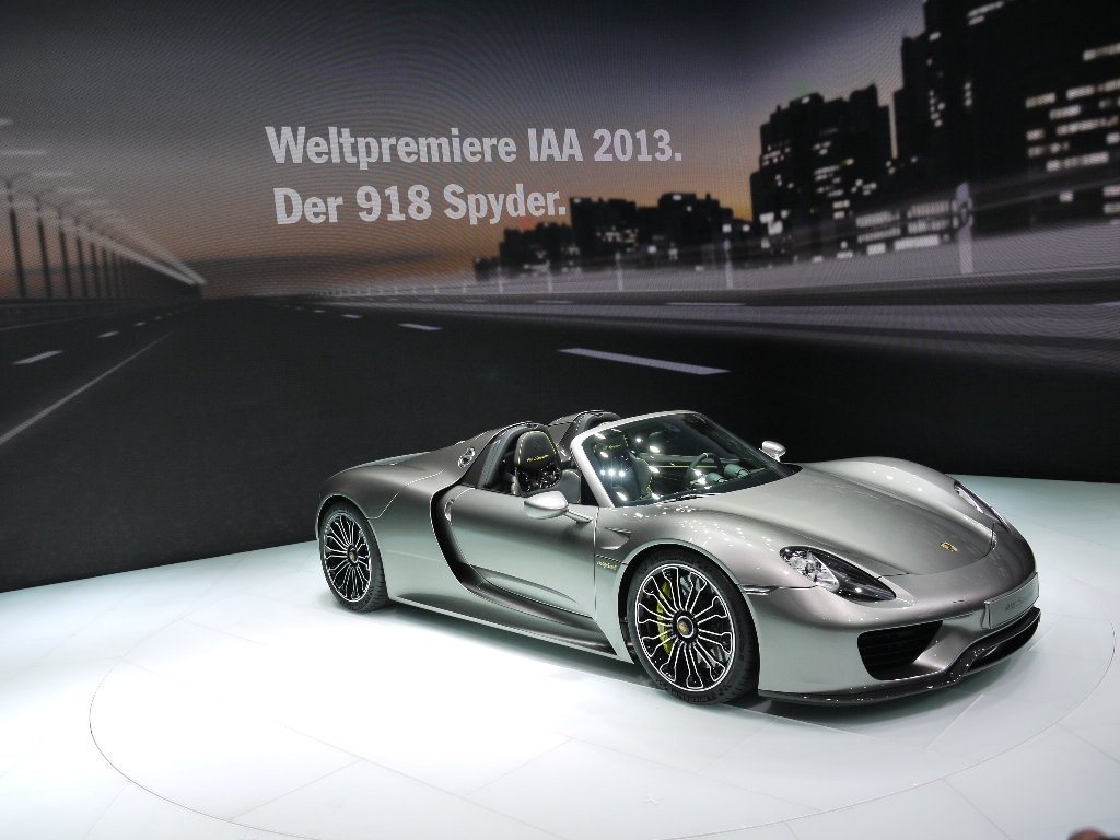 porsche 918 spyder tops global debut with a nurburgring lap record drive sa. Black Bedroom Furniture Sets. Home Design Ideas