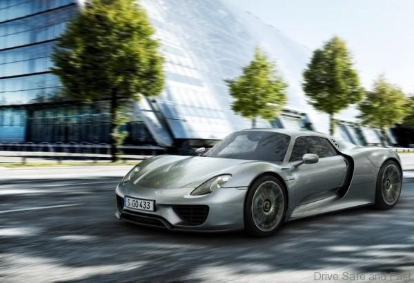 Porsche-918_Spyder_2015_1024x768_wallpaper_02