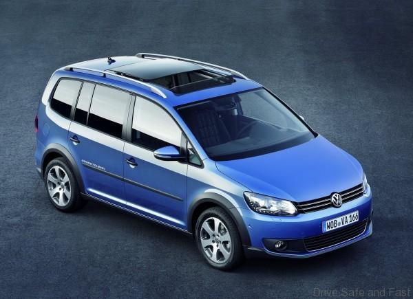 Volkswagen-CrossTouran_2011_1600x1200_wallpaper_01
