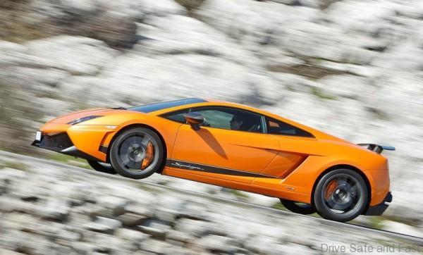 Lamborghini-Gallardo_LP570-4_Superleggera_2011_800x600_wallpaper_08