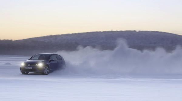 VW_Golf_R_Icedrive_015