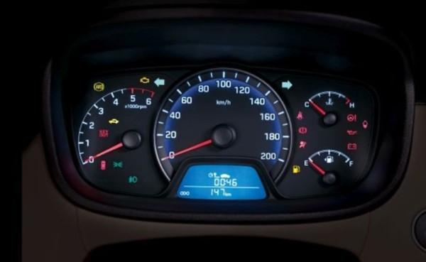 hyundai-reveals-its-new-xcent-sedan-medium_8