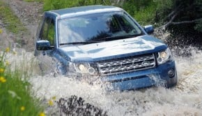Land_Rover-Freelander_2_2013_800x600_wallpaper_06