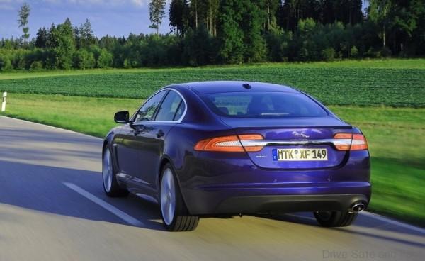 Jaguar-XF_3