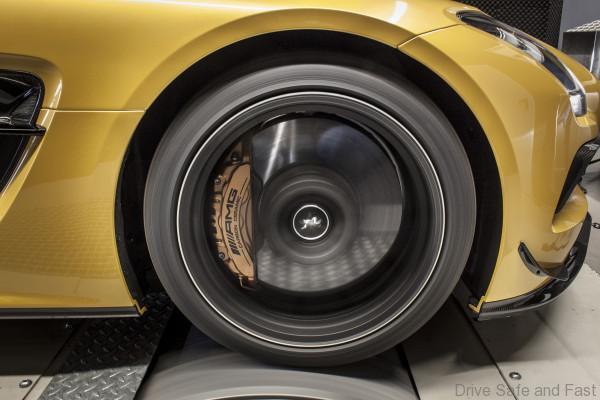 2014 MCCHIP-DKR Mercedes-Benz SLS 63 AMG Black Series
