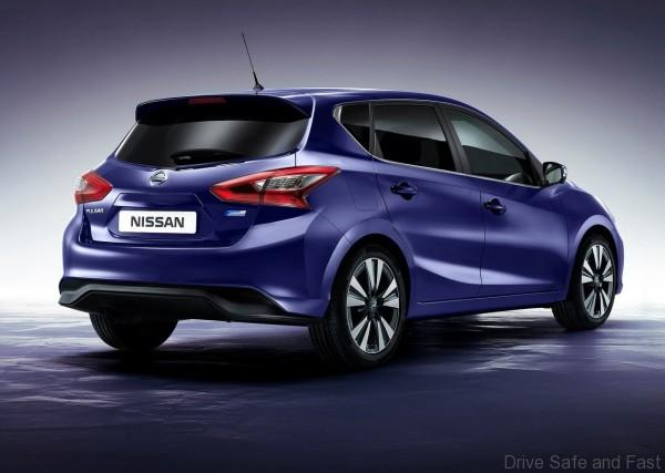Nissan-Pulsar_2015_1280x960_wallpaper_02