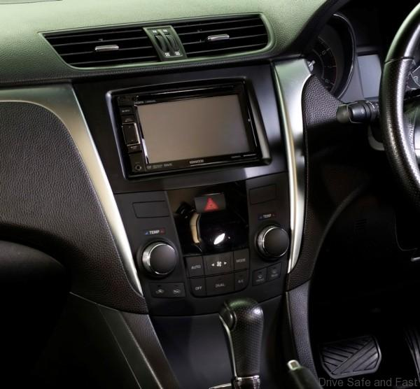 Suzuki Kizashi Limited Edition_2-Din Audio System