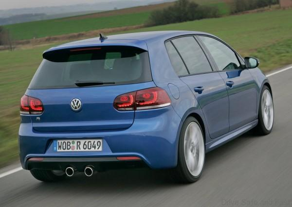 volkswagen_golf_r_8