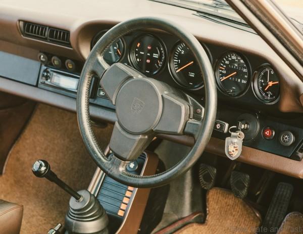 911-Carrera-steering-wheel