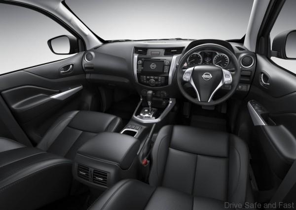 Nissan-Navara-interior-6