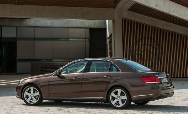Mercedes-Benz-E-Class_2014_4