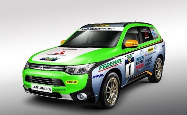 Mitsubishi Outlander rally1