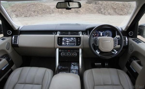 Range-Rover-Dashboard1