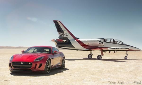 Jaguar_f-type_r_coupe_awd_5