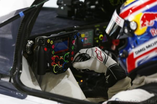 Porsche 919 Hybrid Steering Wheel1