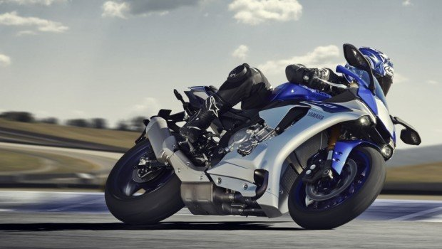 Yamaha r1 close to a motogp yzr m1 prototype drive safe and fast motorcycles publicscrutiny Images