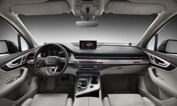 2016-Audi-Q7-interior