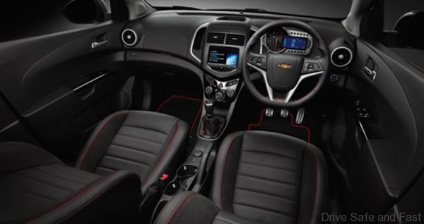 Chevrolet sonic-4-door2
