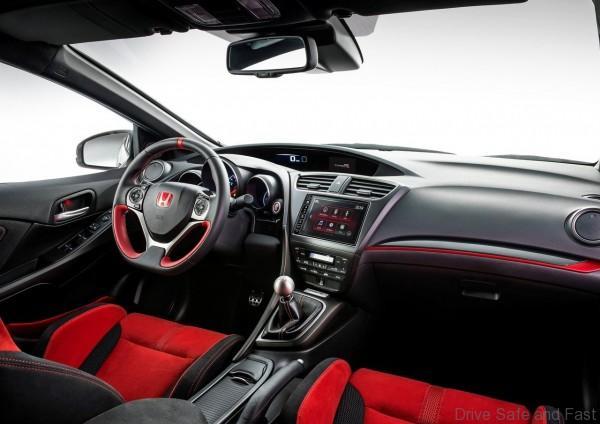 Honda-Civic_Type_R_2015_08