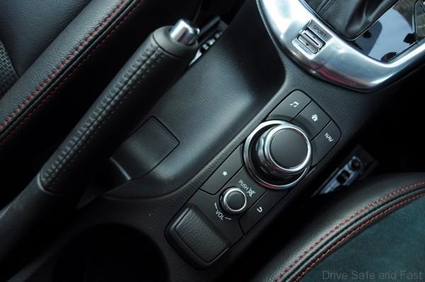 Mazda 2 Sedan Interior (1)