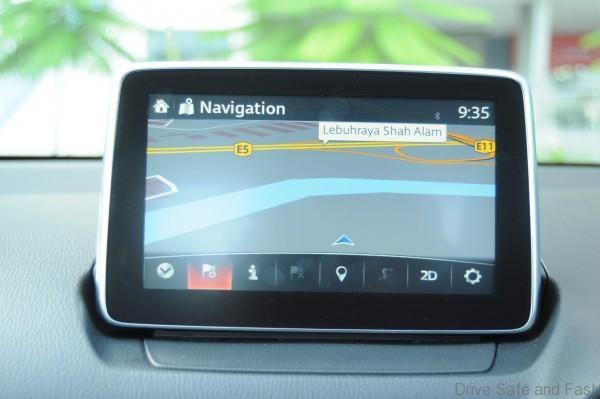 Mazda 2 Sedan Interior (2)