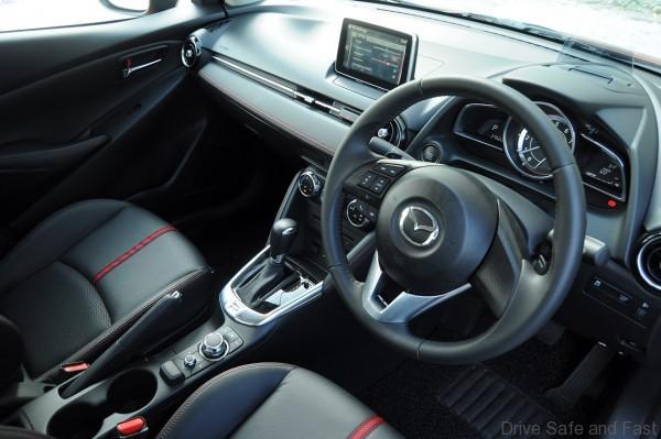 Mazda 2 Sedan Interior (5)