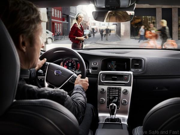 S60_Interior_Intellisafe