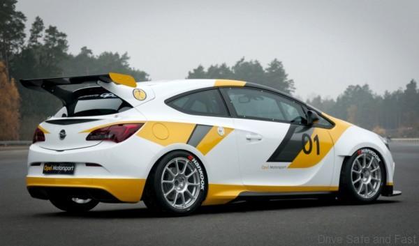 TCRAsia_Opel-Motorsports-OPC-GTC-side_med