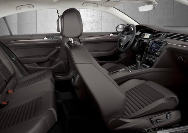 Volkswagen-Passat_2015_4