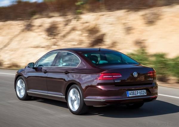 Volkswagen-Passat_2015_7
