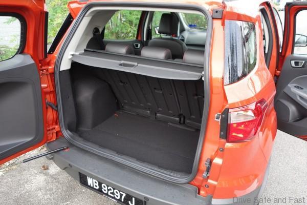 Ford-Ecosport-Titanium12