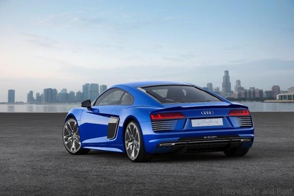 Audi-R8-3
