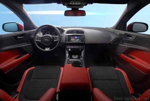 Jaguar-XE_S_4