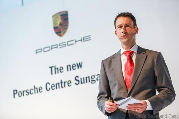 Porsche Arnt Bayer, CEO SDAP giving his opening speech