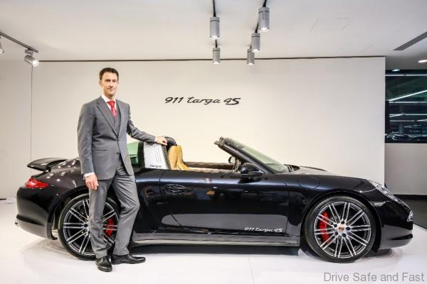 Porsche Arnt Bayer, CEO SDAP with 911 Targa 4S (2)