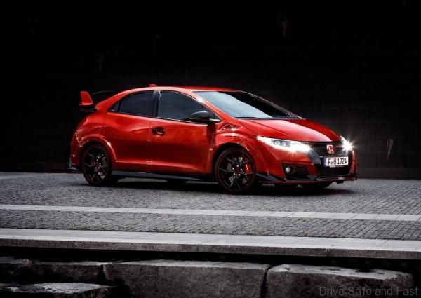 Honda-Civic_Type_R_2015_03