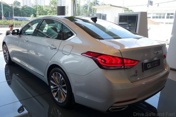 Hyundai-Genesis-03