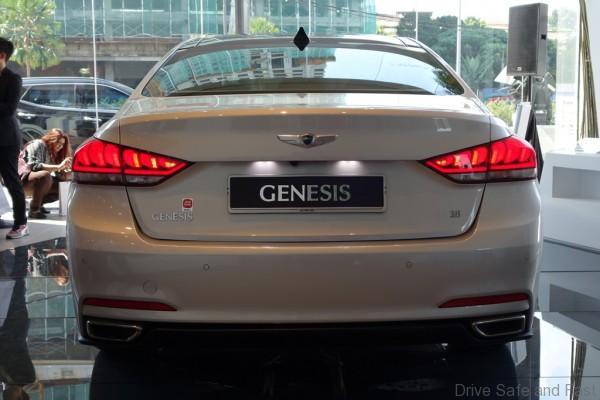 Hyundai-Genesis-04