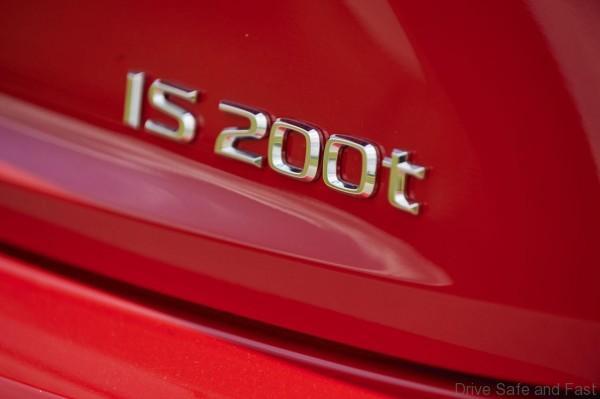 Lexus-IS-200t-7