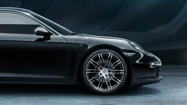 Porsche-911-Black-Edition-5