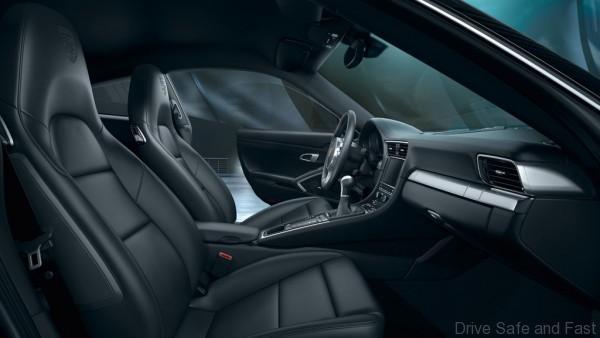 Porsche-911-Black-Edition-8
