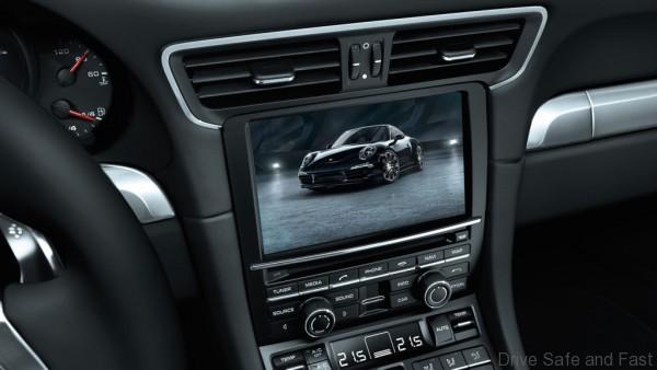 Porsche-911-Black-Edition-9