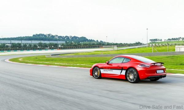 Porsche-Driving-Experience-09