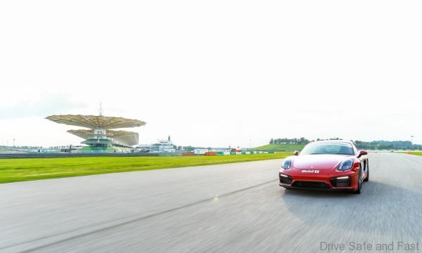 Porsche-Driving-Experience-11