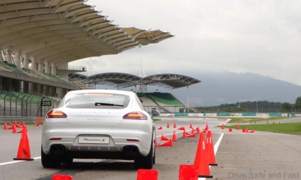 Porsche-Driving-Experience-23