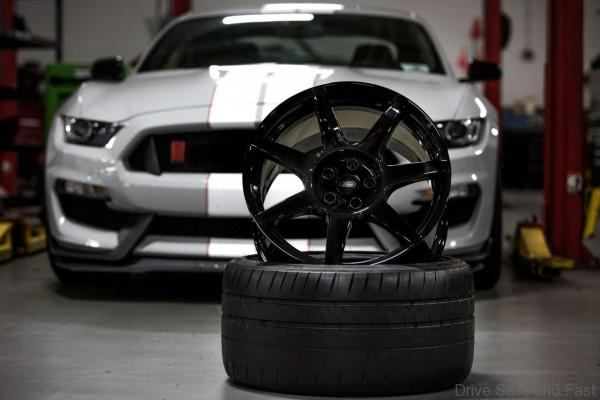 Ford-Mustang-Shelby-Wheels