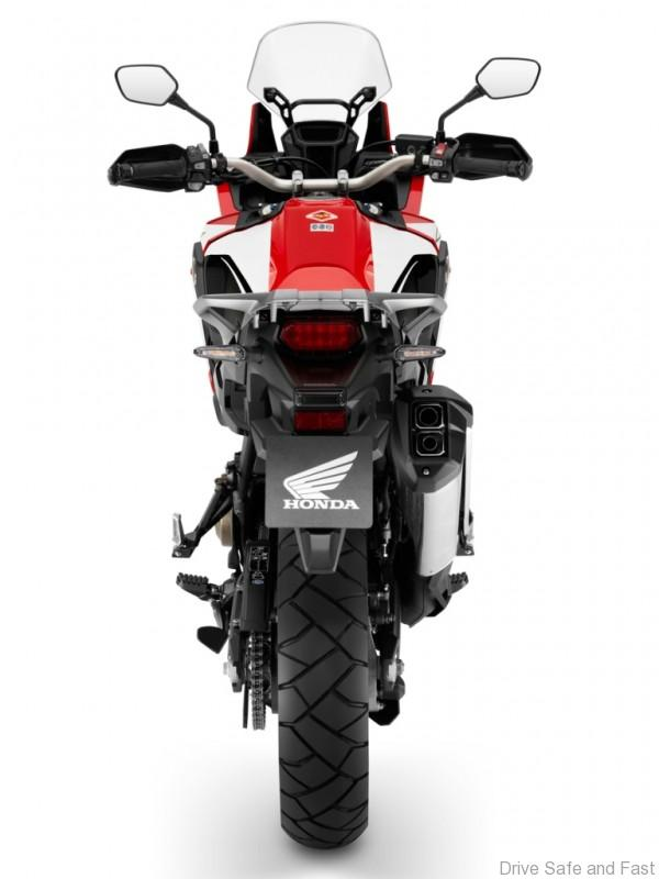 Honda_crf1000l_africa_twin_action2