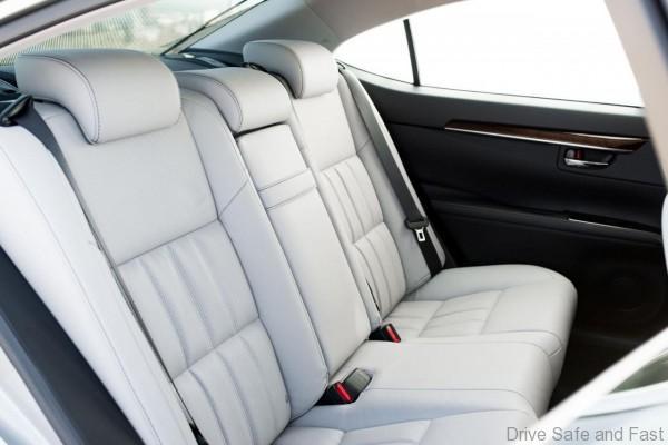 Lexus-Ex350-ES300h-7