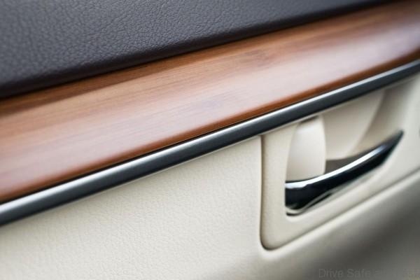 Lexus-Ex350-ES300h-9